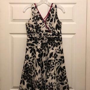 Women's Amanda Lane. Dress in white and black